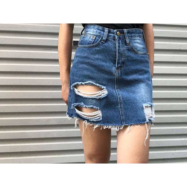 chân váy jean rách - 2591637 , 469044243 , 322_469044243 , 150000 , chan-vay-jean-rach-322_469044243 , shopee.vn , chân váy jean rách