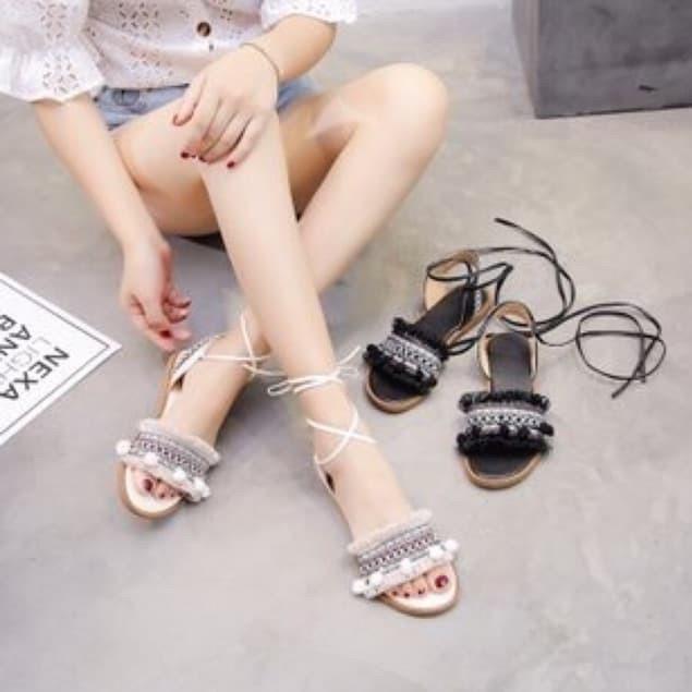 Giày sandal cột dây chiến binh thổ cẩm By Boho Style - 15110141 , 2657872342 , 322_2657872342 , 215000 , Giay-sandal-cot-day-chien-binh-tho-cam-By-Boho-Style-322_2657872342 , shopee.vn , Giày sandal cột dây chiến binh thổ cẩm By Boho Style