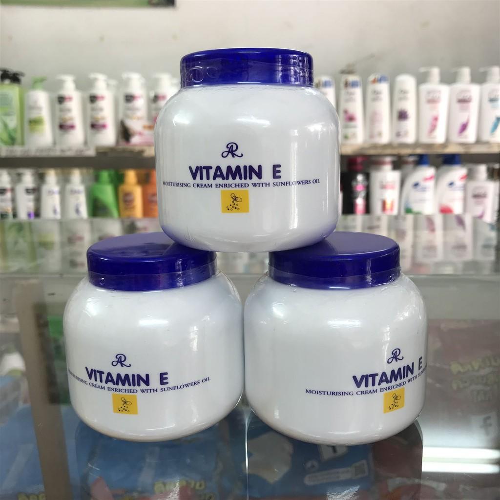 ⛔GIADUNGHOANGMAI⛔ Kem nẻ Vitamin E