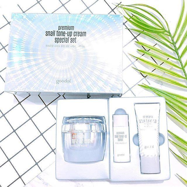 Set dưỡng trắng tức thì chiết xuất Ốc Sên Goodal Premium Snail Tone Up Cream Special Set [3 Items]
