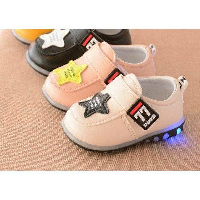 Giày tập đi bé trai và bé gái ngôi sao có đèn LED