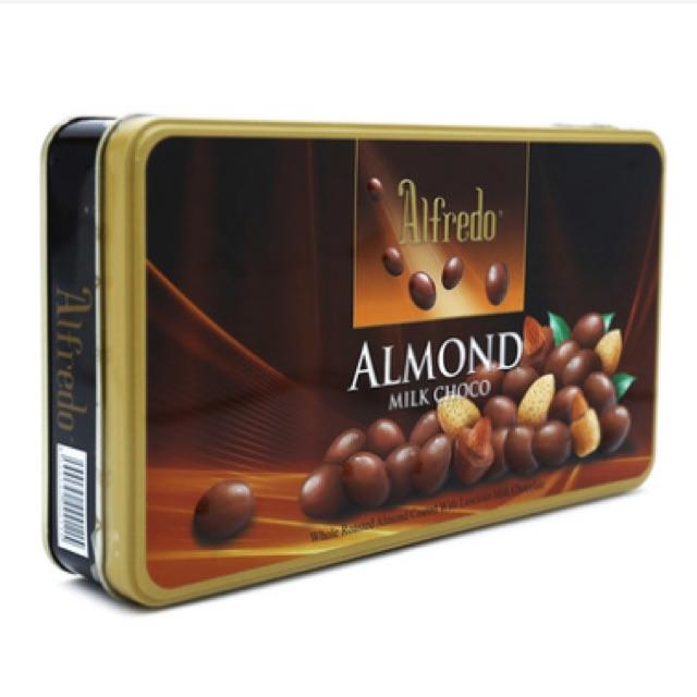 Kẹo sô cô la Almond Alfredo 180g
