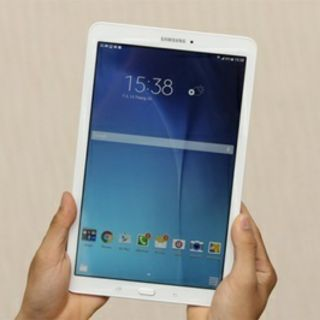 (Tặng bao da) Máy tính bảng Samsung Galaxy Tab E 8.0