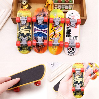 Mini Cute Finger Skateboard Plastic Board Toy Educational Kids Children Gift A29