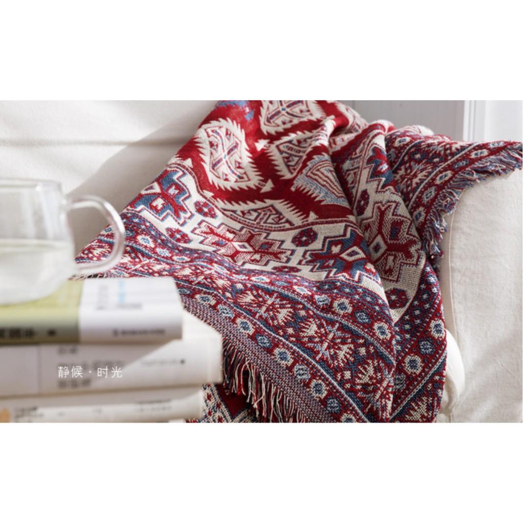 Thảm phòng khách hoạt tiết thổ cẩm phong cách vintage kích thước 180cm x 230cm