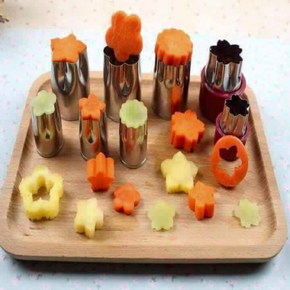 Bộ dụng cụ cắt rau củ quả hình hoa 8 món - 10042498 , 379919354 , 322_379919354 , 38000 , Bo-dung-cu-cat-rau-cu-qua-hinh-hoa-8-mon-322_379919354 , shopee.vn , Bộ dụng cụ cắt rau củ quả hình hoa 8 món
