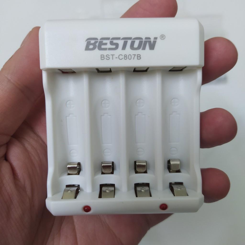 Combo 4 pin AA/AAA kèm sạc hãng BESTON   Pin mic không dây, camera, pin điều khiển