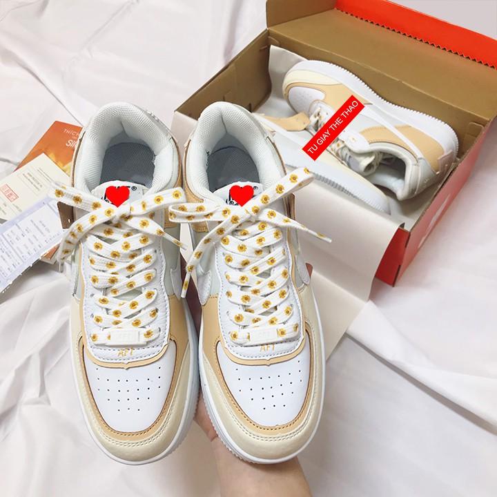 Giày Sneaker nữ Hoa Cúc Màu Cam Cá Tính