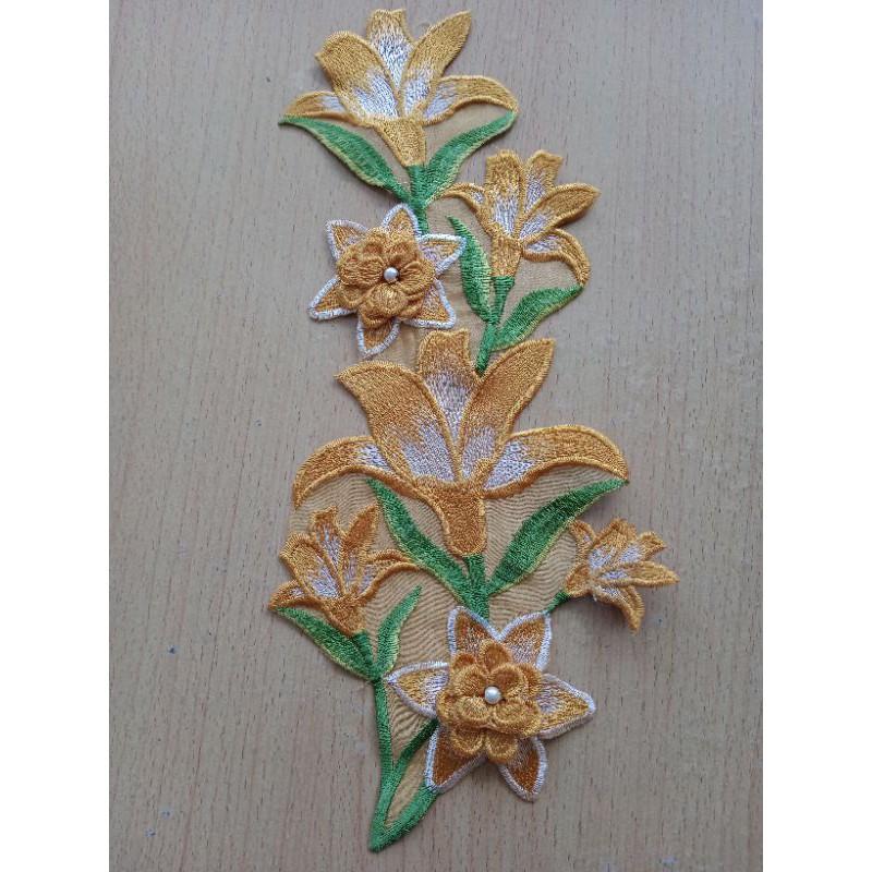 Hoa vải 3D đính áo dài