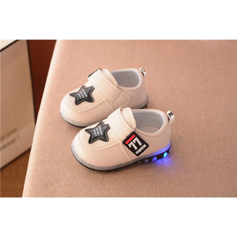 Giày tập đi bé trai và bé gái ngôi sao có đèn LED (Khánh Linh Store)