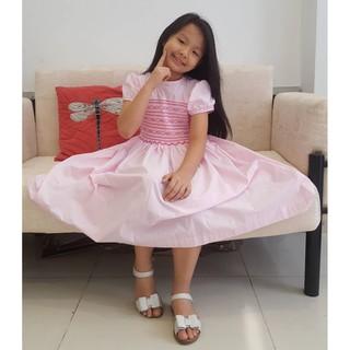 Đầm bé đẹp siêu xinh – Kabota – xích móc thêu tay – carô hồng – hoa hồng nơ xinh xắn – SM028