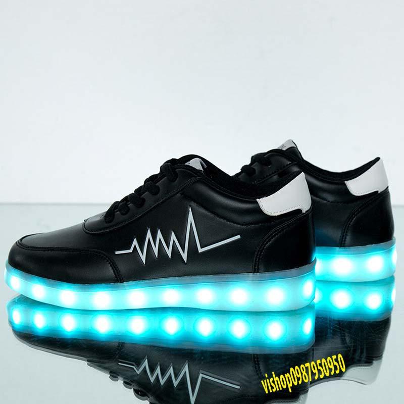 Giày phát sáng  màu đen nhịp tim màu trắng phát sáng 7 màu 11 chế độ đèn led cực đẹp  mã NJ66