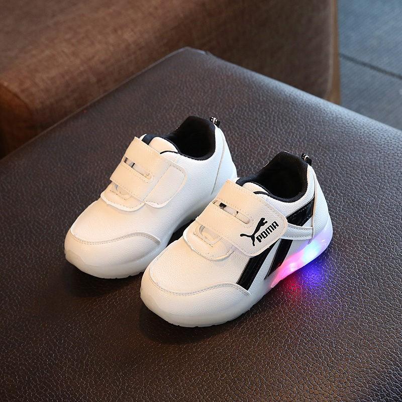 Giày thể thao có đèn led