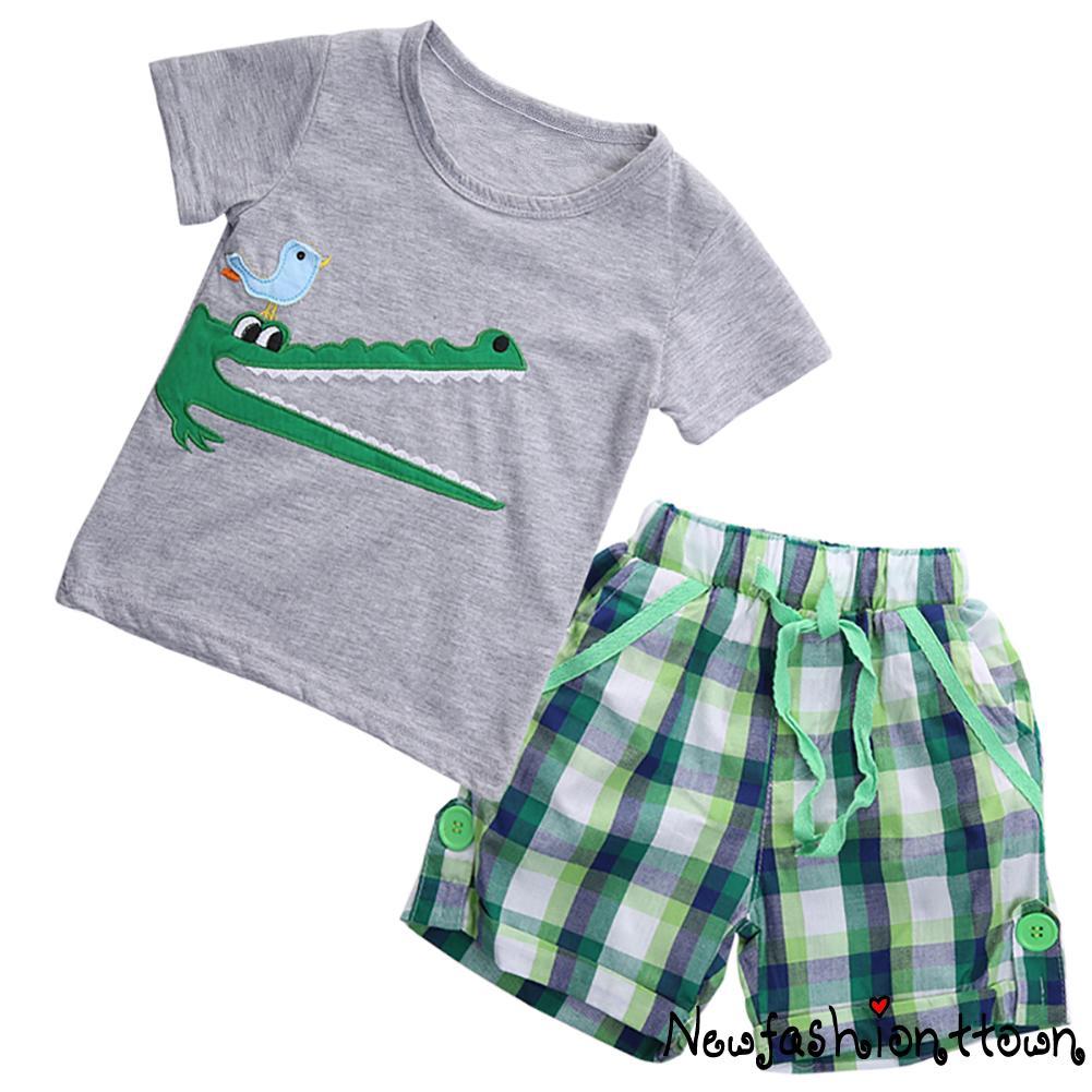 Set quần dài + áo thun tay ngắn dễ thương cho bé trai - 21690115 , 1749393938 , 322_1749393938 , 115871 , Set-quan-dai-ao-thun-tay-ngan-de-thuong-cho-be-trai-322_1749393938 , shopee.vn , Set quần dài + áo thun tay ngắn dễ thương cho bé trai