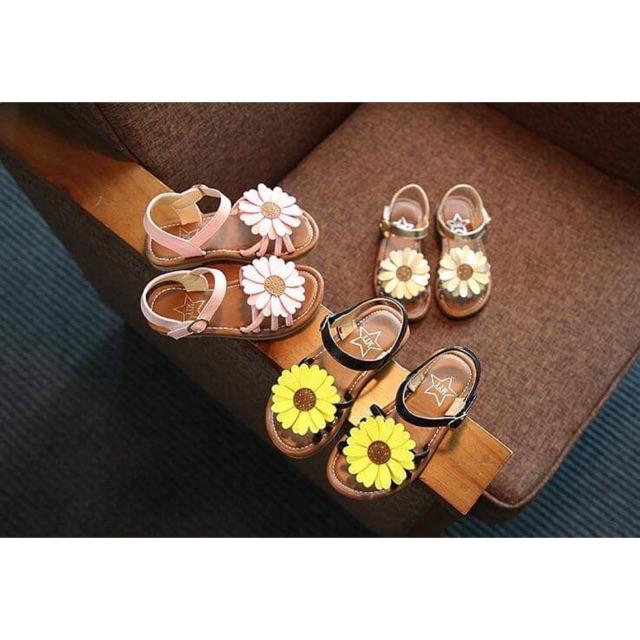 Sandal hoa hướng dương_cực dễ thương