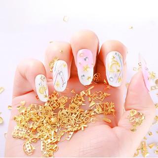 Hộp phụ kiện trang trí móng tay nhiều hình dạng nghệ thuật thumbnail