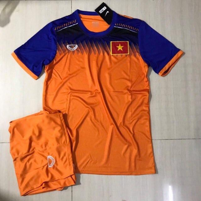 Áo bóng đá Việt Nam( gồm 4 màu, miễn phí in)