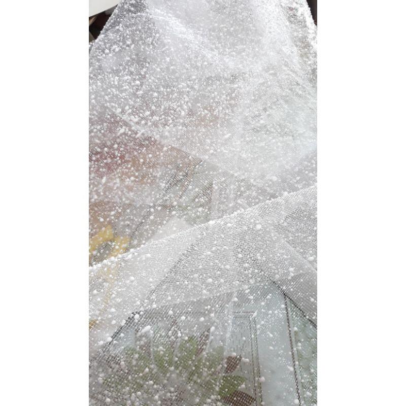 tấm lưới tuyết trắng bó hoa tươi hoa sáp kích thước 50x50cm