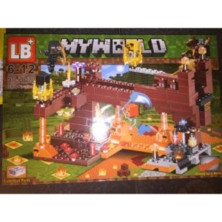 Lắp ráp xếp hình Lego Minecraft My World 580 : Xẻng kim cương công phá tường thành ma quái 388+ mảnh