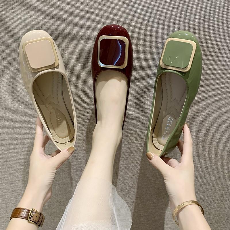 【จัดส่งฟรี】้อนป่าปากตื้นหัวเข็มขัดแบนกับรองเท้าเดียวหญิง 2019 ฤดูร้อนน้ำหนึ่งเท้า