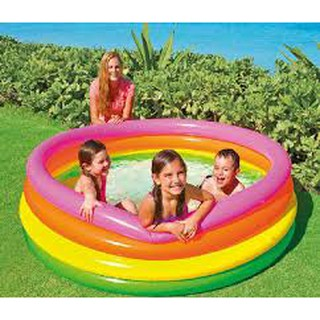 Bể bơi cầu vồng