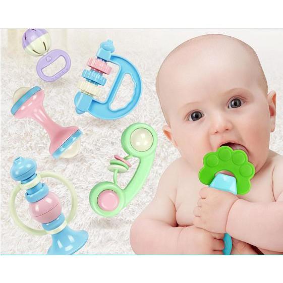 Bộ 8 món Đồ chơi xúc xắc, gặm nướu cho bé