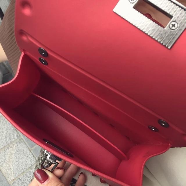 Túi xách đeo chéo silicon mềm size 20 hàng Quảng Châu DC15