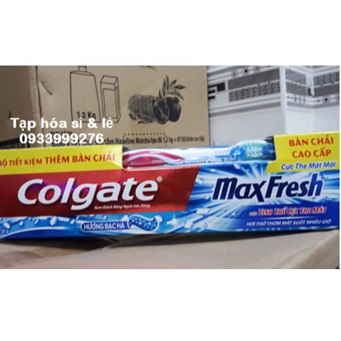 Kem đánh răng Colgate Maxfresh hương Bạc hà 230g tặng bàn chải đánh răng