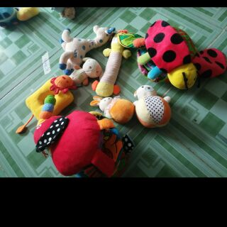 Sét đồ chơi của Trang Trần
