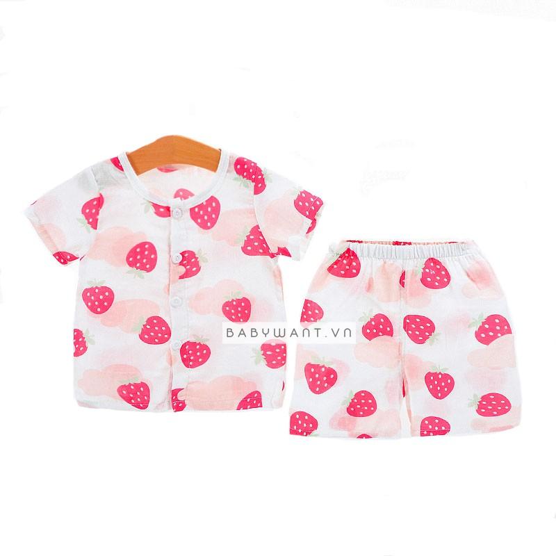 Quần áo bộ cho bé trai bé gái in hình quả dâu tây - 3350624 , 1093332896 , 322_1093332896 , 99000 , Quan-ao-bo-cho-be-trai-be-gai-in-hinh-qua-dau-tay-322_1093332896 , shopee.vn , Quần áo bộ cho bé trai bé gái in hình quả dâu tây
