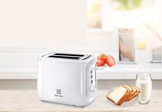 Máy nướng bánh mì Electrolux đa năng