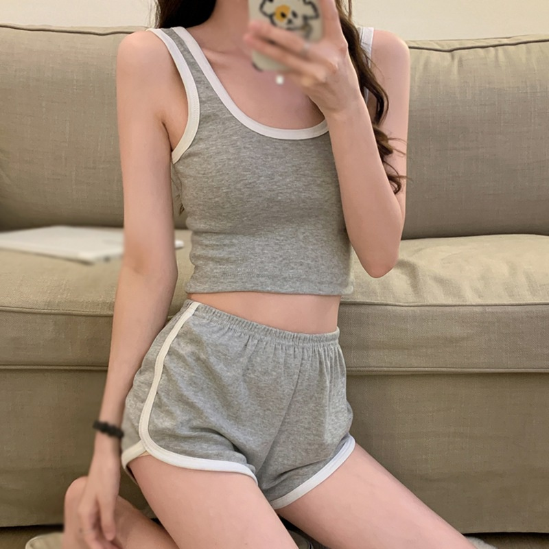 Mặc gì đẹp: Thoải mái với Set Đồ Gồm Áo Thun Và Quần Short Phong Cách Thể Thao Thời Trang Mùa Hè Cho Nữ