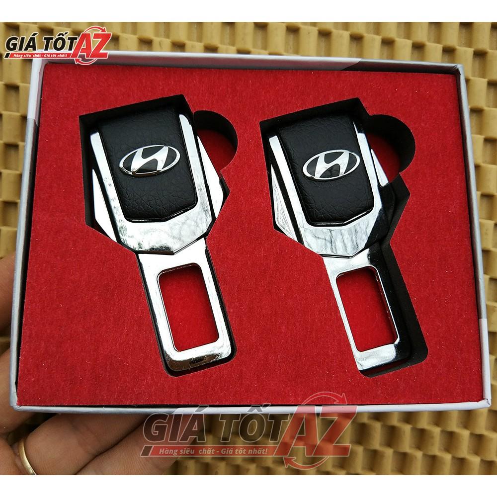Bộ 2 Chốt ngắt cảnh báo thắt đai an toàn xe ô tô - Logo Hyundai cao cấp