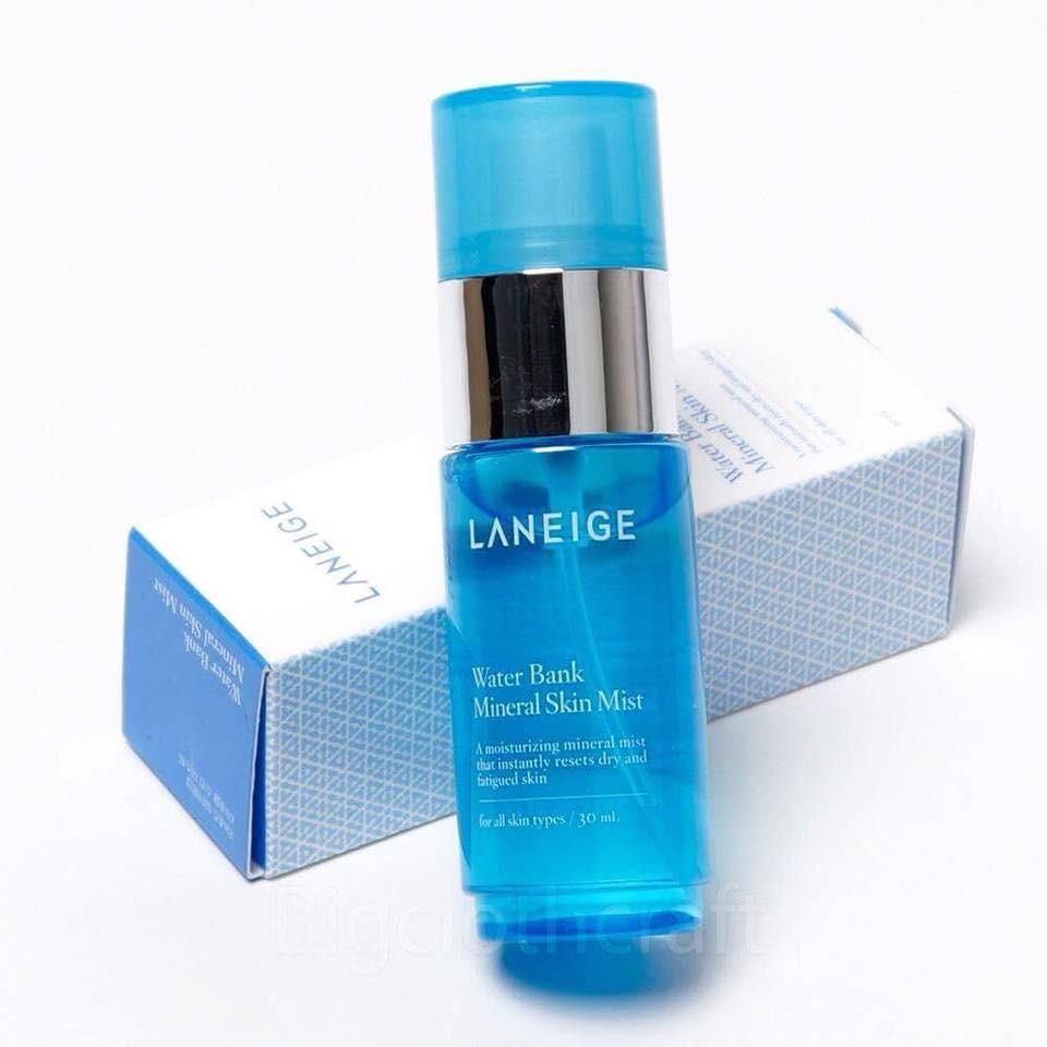 Xịt khoáng cấp nước, cực thấm Laneige Water Bank Mineral Skin Mist