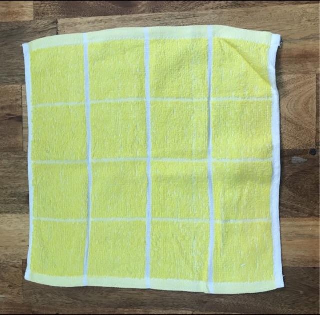 combo 10 cai khăn vuông trắng+vuông vàng