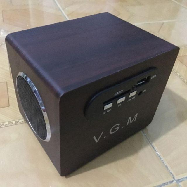 Loa nghe nhạc thẻ nhớ usb giá rẻ VGM - 3455002 , 1015241645 , 322_1015241645 , 120000 , Loa-nghe-nhac-the-nho-usb-gia-re-VGM-322_1015241645 , shopee.vn , Loa nghe nhạc thẻ nhớ usb giá rẻ VGM