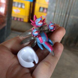 Mô hình pokemon hydreigon tomy có đế