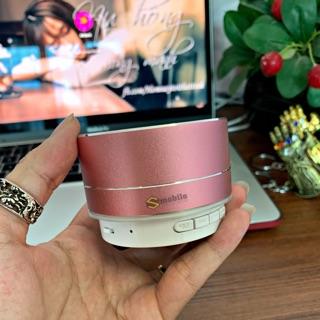 Loa Bluetooth thời trang xịn xò chất âm hay thumbnail