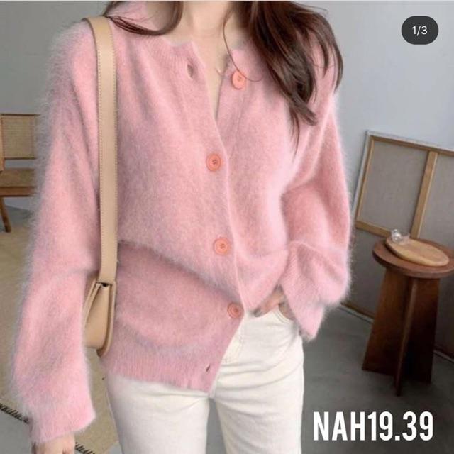 Áo len hồng, trắng