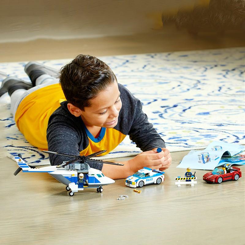 Mô hình Lego City 60138 - Cuộc truy đuổi tốc độ