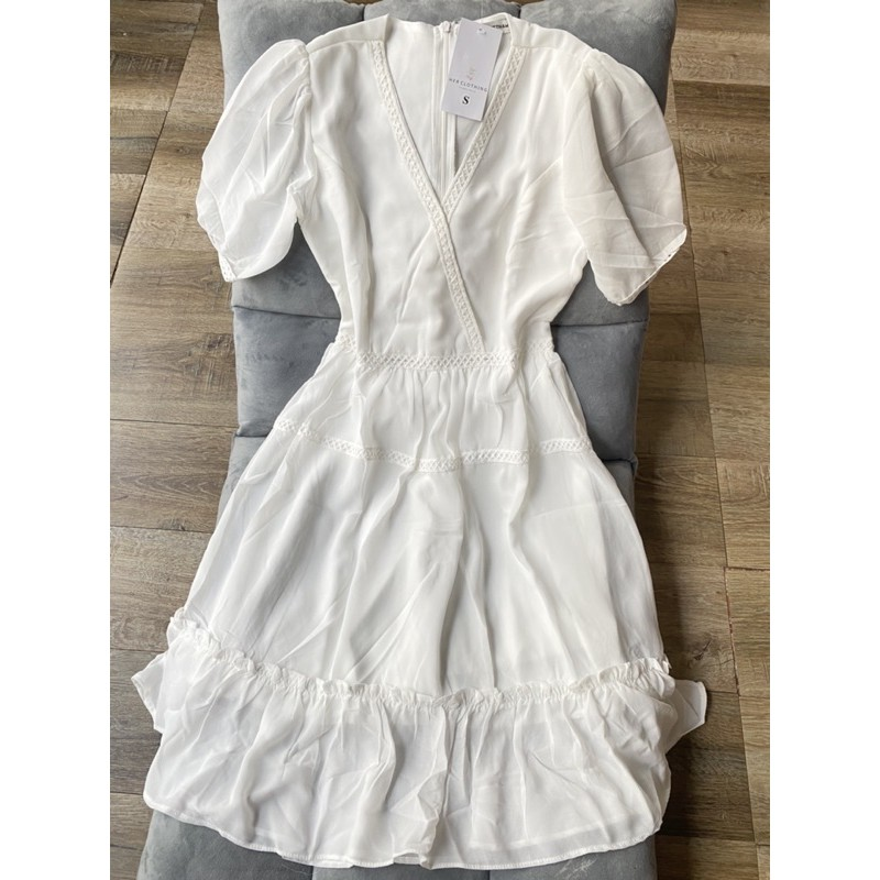 Mặc gì đẹp: Sang chảnh với Đầm dự tiệc cổ V lai ren đắp chéo sang chảnh [vải loại một hàng store] mã [ren]