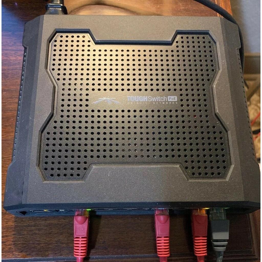 UBNT Switch 8-port PoE Gigabit PRO 24V or 48V (đã qua sử dung) Giá chỉ 1.700.000₫