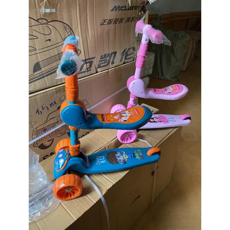 xe trượt scooter có ghế xinh xinh trượt chân cho bé