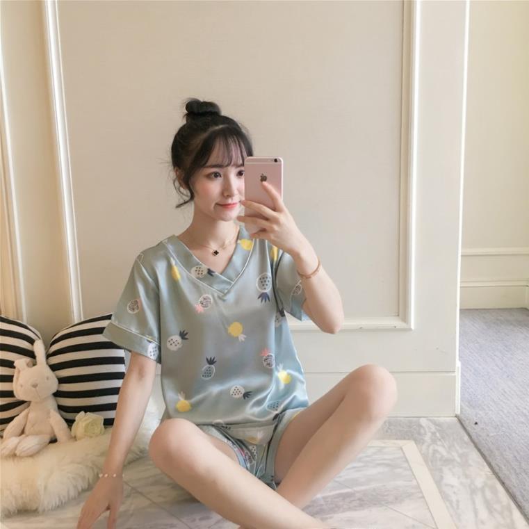 Mặc gì đẹp: Thoải mái với Đồ ngủ Pijama mặc nhà lụa satin cao cấp đùi cộc hoạt hình hello kitty