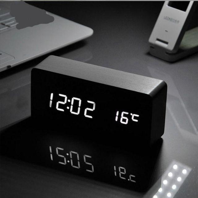 Combo đồng hồ LED để bàn + củ sạc