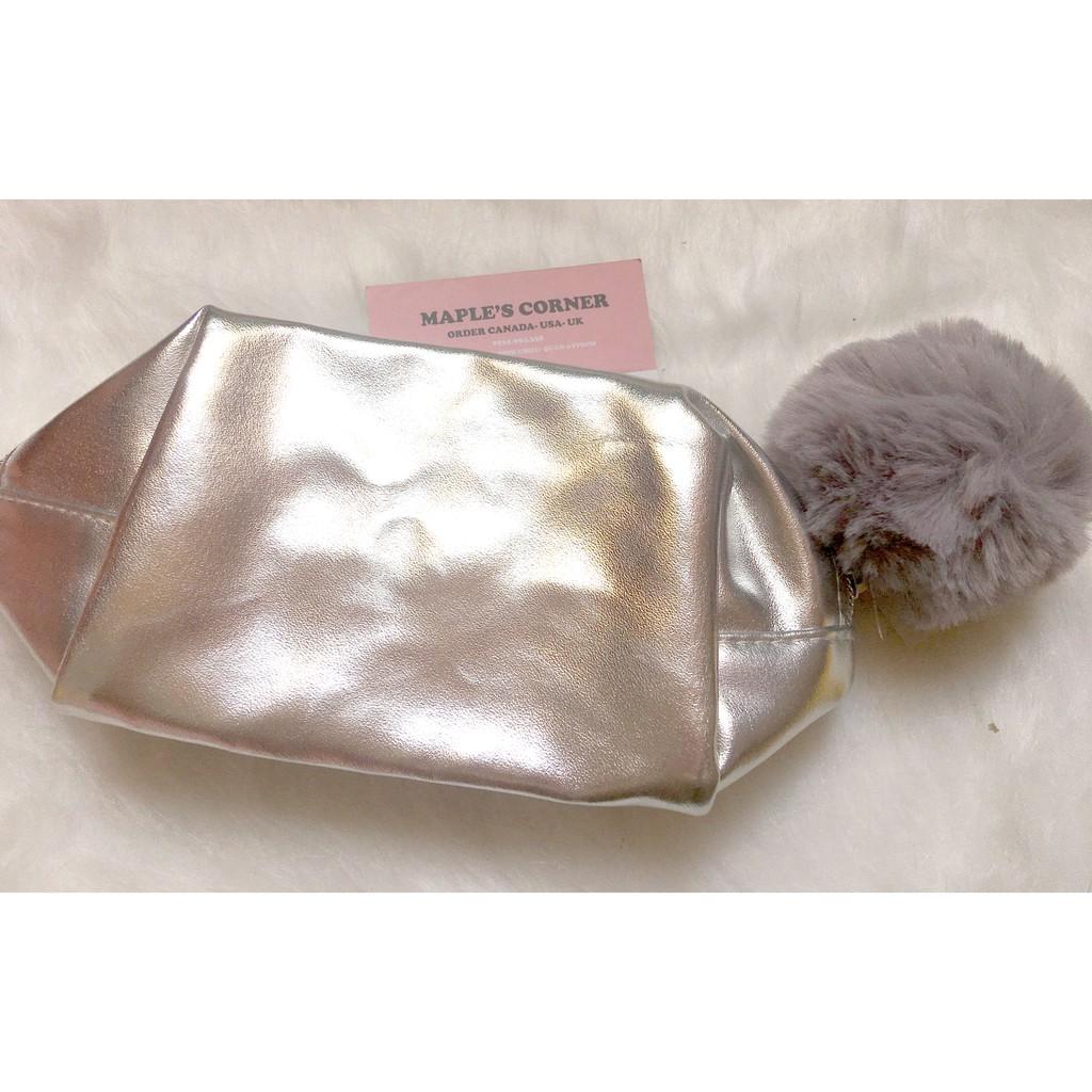 Túi đựng mỹ phẩm của Nordstrom bằng da màu bạc