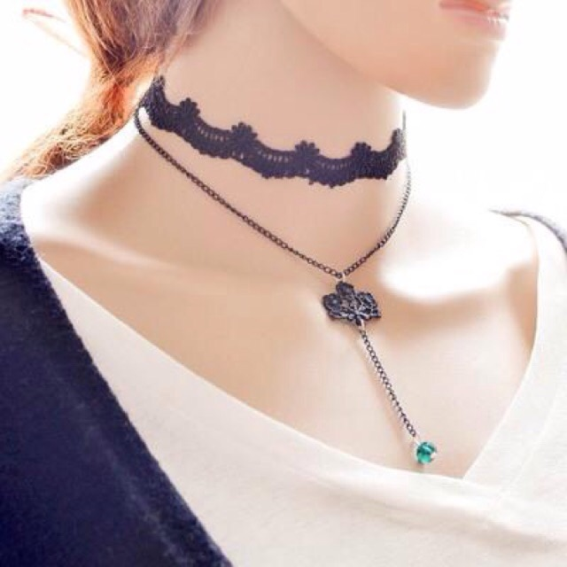 Dây đeo cổ tatto choker - 2502025 , 44258190 , 322_44258190 , 25000 , Day-deo-co-tatto-choker-322_44258190 , shopee.vn , Dây đeo cổ tatto choker