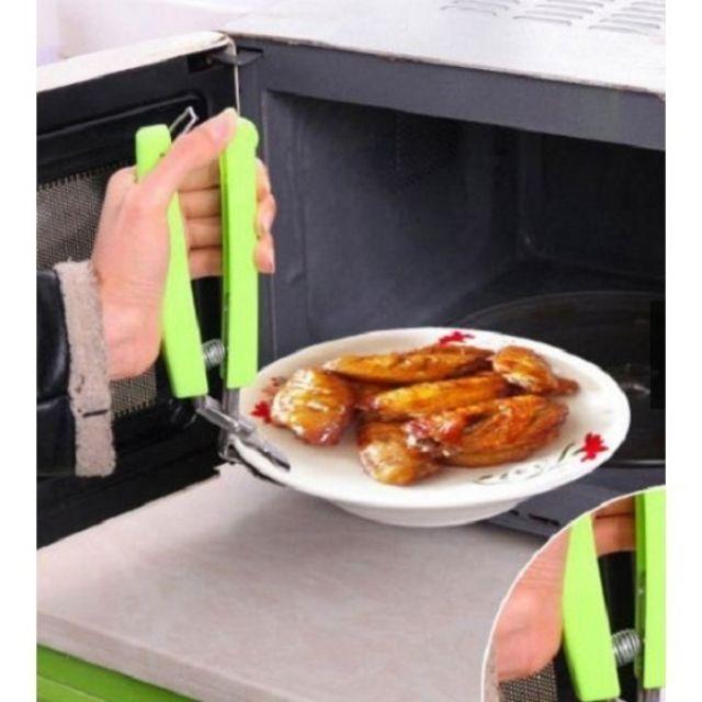 Dụng cụ kẹp đồ nóng tiện dụng