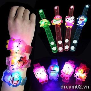 Children's toysLuminous watch creative children's wrist band cartoon bracelet flashing kindergarten gift small toy