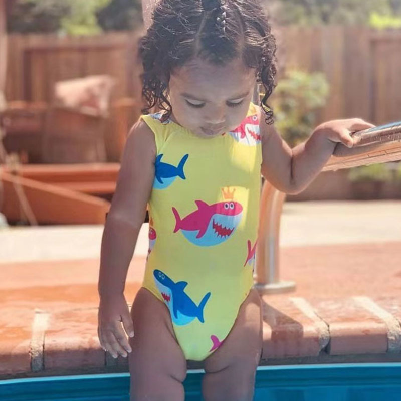 Mặc gì đẹp: Tắm biển vui với  Đồ Bơi Một Mảnh In Hình Dễ Thương Cho Bé Gái